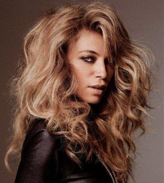 Frizzy wavy hair