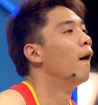 Hairy mole on the chin of an athlete