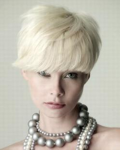 Short white blonde hairstyle 3