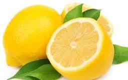 A fresh piece of lemon
